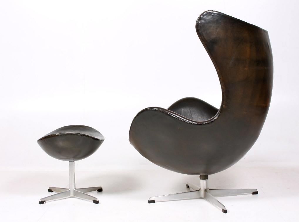 Egg Chair & Ottoman von Arne Jacobsen